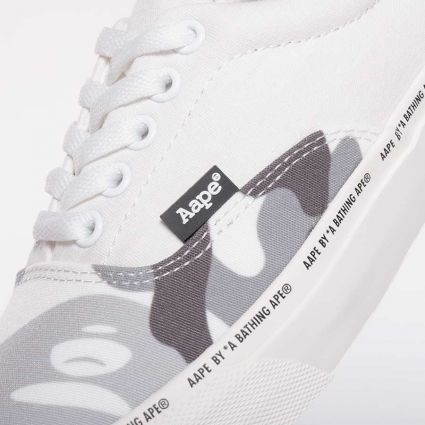 AAPE by A Bathing Ape Lace Shoes White (Multi)