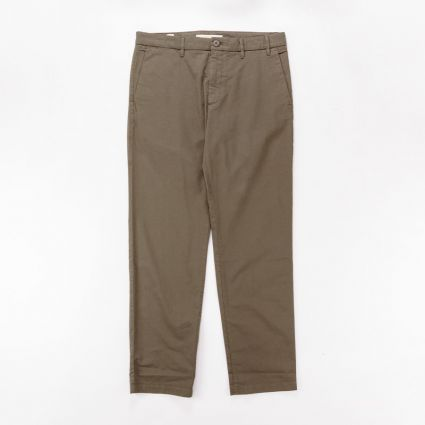 Norse Projects Aros Regular Light Stretch Trousers Ivy Green1