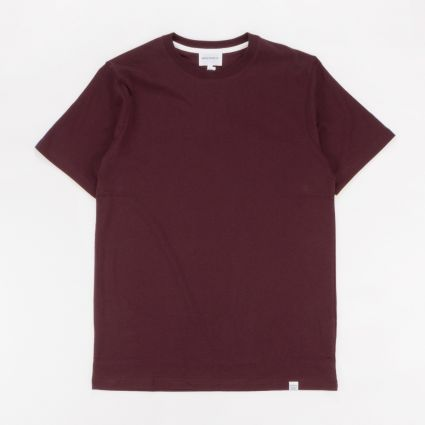 Norse Projects Niels Standard SS T-Shirt Eggplant Brown1