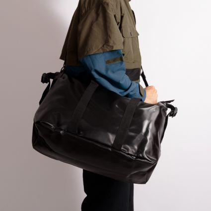 RAINS Weekend Bag Shiny Black