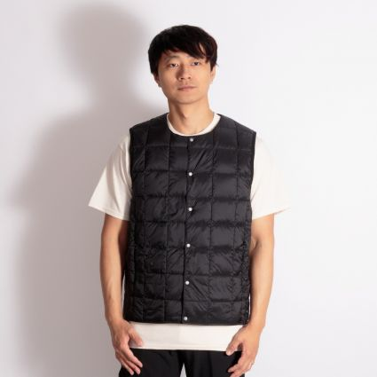 TAION Crew Neck Button Down Vest Black