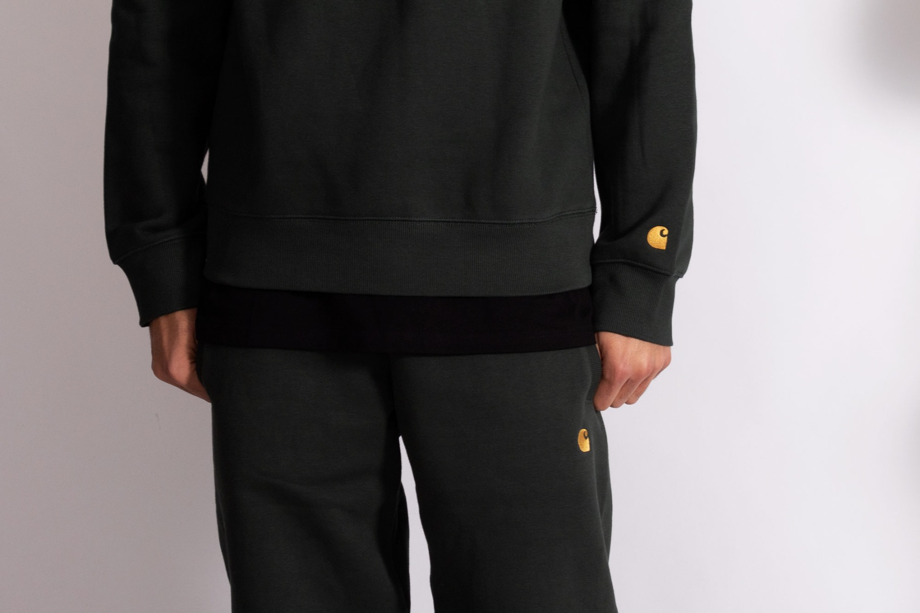 carhartt wip chase sweat pants and sweat shirt in dark teal
